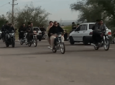 دانلود فیلم جنجالی دو دختر موتورسوار در دزفول