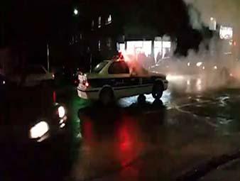 دانلود فیلم لحظه پرتاب نارنجک داخل ماشین پلیس در چهارشنبه سوری 95