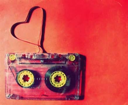 دانلود اهنگ تو قلبم تورو دارم اگه خونه به دوشم من این عالم عشقو به عالم نفروشم